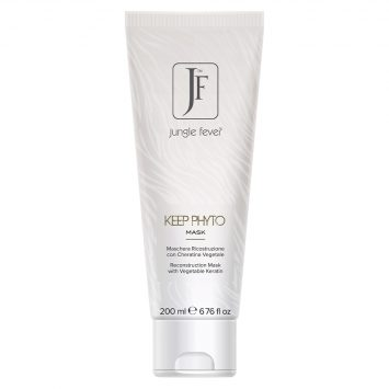Hair Color Cream Is formulated with the lowest possible ammonia levels thanks to extra pure Micro-chromatron Pigments that guarantee deep penetration of the colori molocules and highest care for the hair's structure. #junglefever #wildbeauty #jf #junglefeverhaircolor #junglefeverproducts